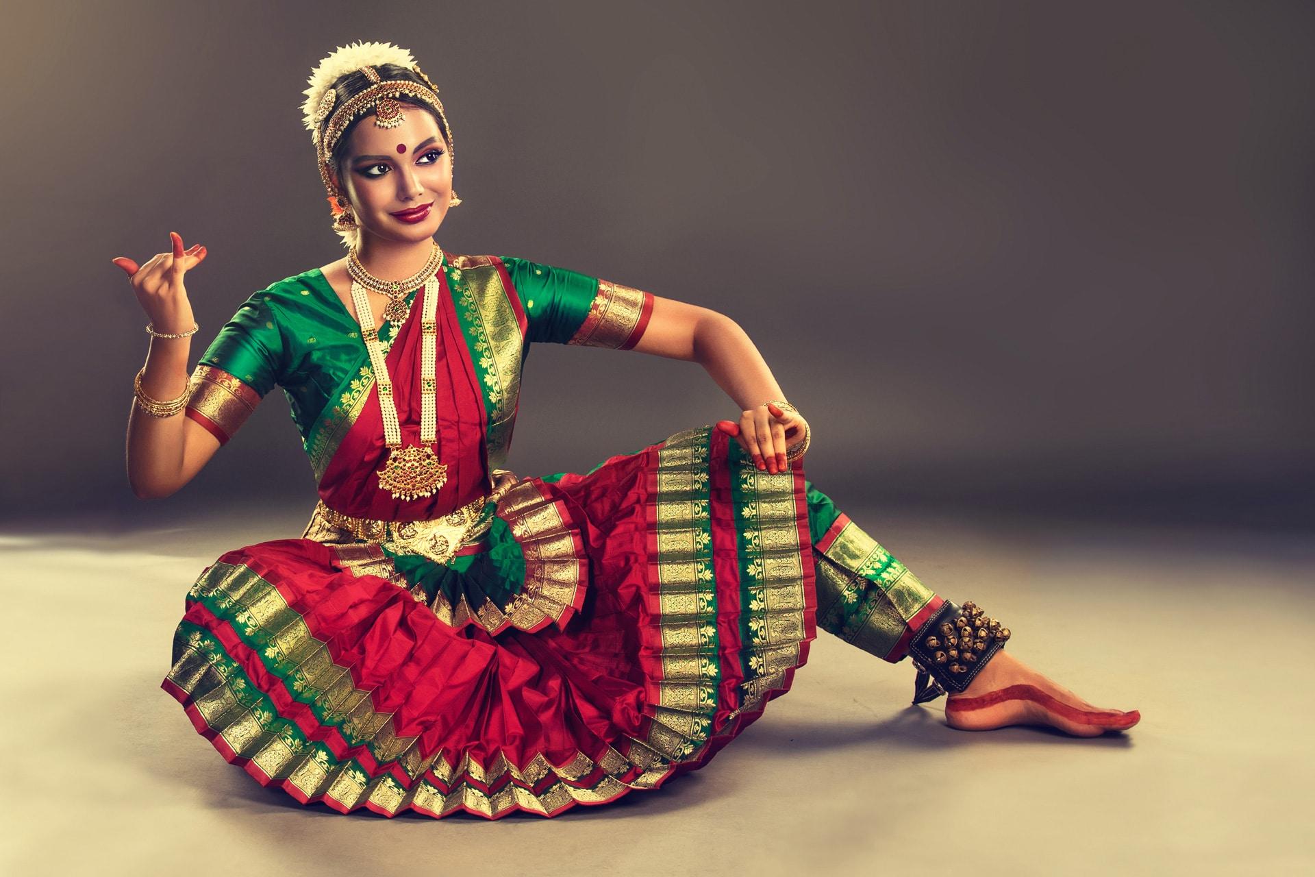 Оригинальная, открытка танцовщица в прозе индийского классического танца бхаратанатьям цена